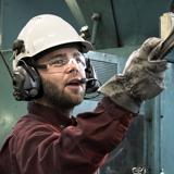 Bien souvent, la protection individuelle est plus économique que la réévaluation physique du lieu de travail.